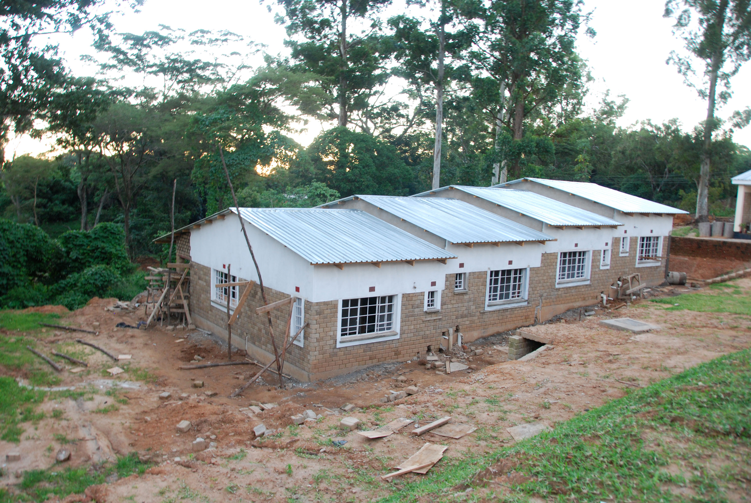 Building volunteers accommodation